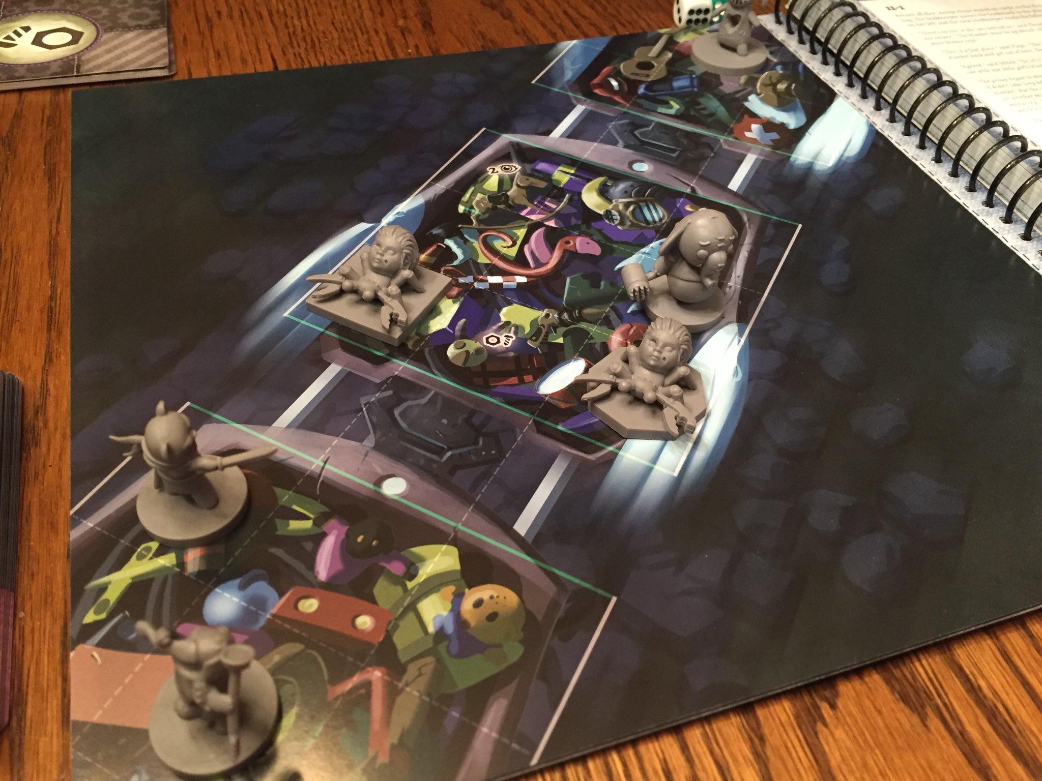 Eine Seite des Buches bei Stuffed Fables von Plaid Hat Games